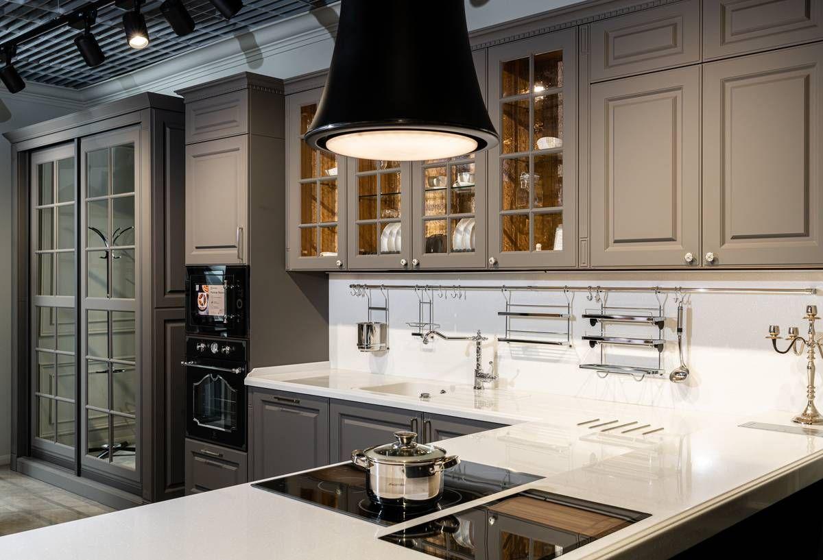 Звезды «Афимолла»: кухня и шкаф Nicolle